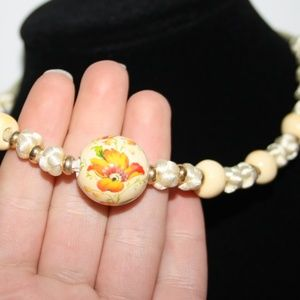 Vintage cream and ceramic necklace